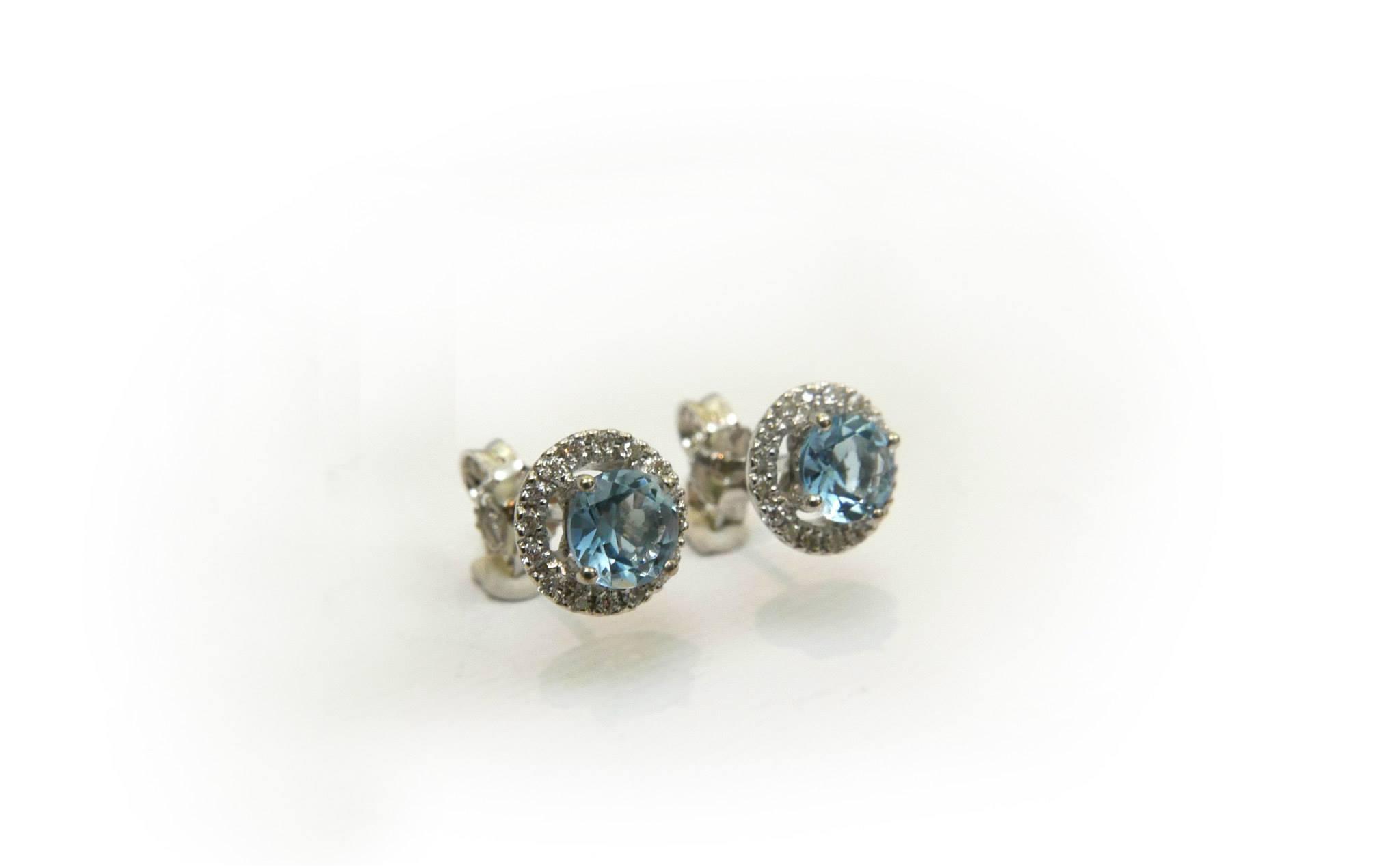 orecchini-in-oro-bianco-con-acquamarina-e-diamanti - daniele pifferi - laboratorio orafo e gioielleria bologna