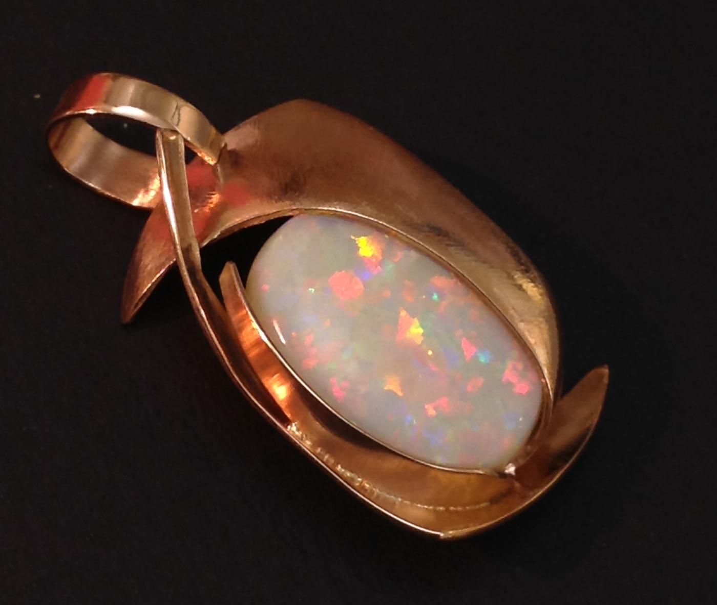 Opale bianco nobile australiano oro rosa Daniele Pifferi Bologna gioielli