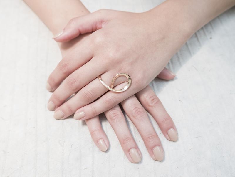 Anello in oro - Modello Infinito (disponibile anche in oro bianco, rosa ed in argento) - daniele pifferi gioielli bologna centro