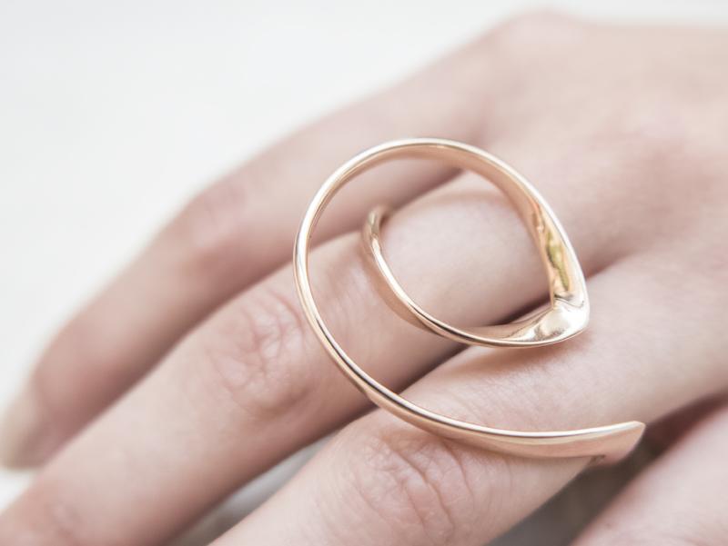Anello in oro - Modello Nautilus (disponibile anche in oro bianco, rosa ed in argento) - daniele pifferi gioielli bologna centro