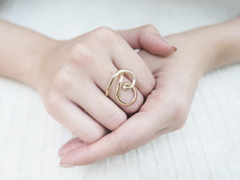 Anello in oro - Modello Rubacuori (disponibile anche in oro bianco, rosa ed in argento) - daniele pifferi gioielli bologna centro